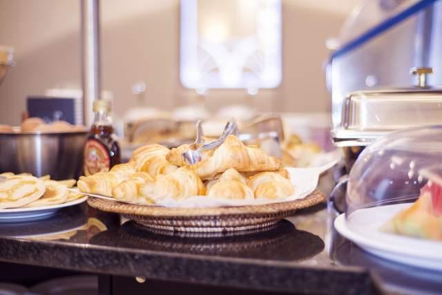 Petit déjeuner breakfast room